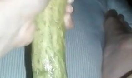 Desi bhabhi Chudai with cucumber
