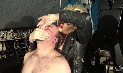 You Dont Need to Breathe - BDSM Mia and Breast Smothering